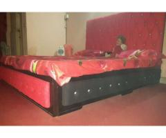 Style Double Bed & tea chair set